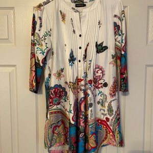 Beautiful Tunic top, great with leggings and boots